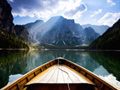 ブライエス湖のボート(イタリア)
