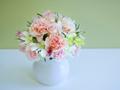 花瓶にカーネーション