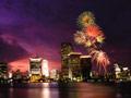マイアミの街と花火
